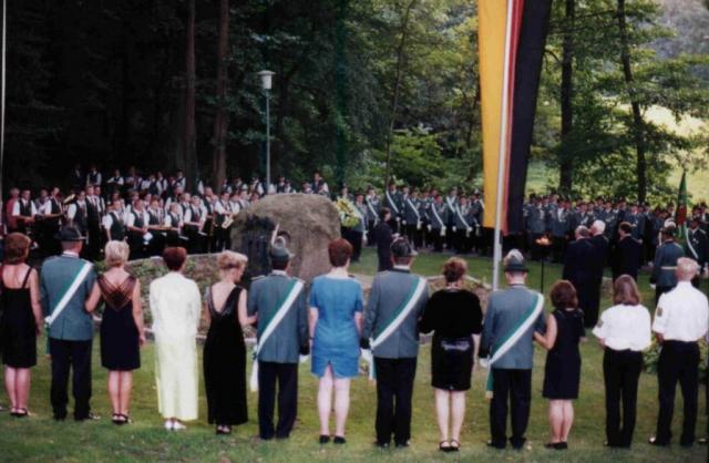 Kranzniederlegung am Ehrenmal in Stukenbrock